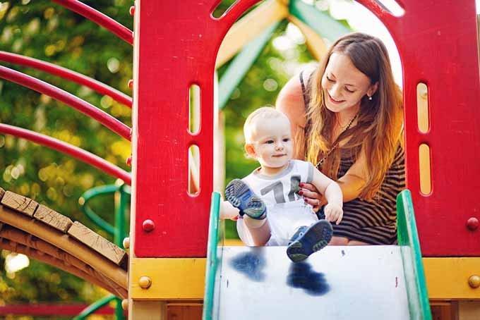 Ternyata 5 Permainan Ini Bisa Moms Lakukan Bersama Si Kecil di Playground -1.jpg