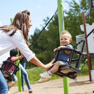 Ternyata 5 Permainan Ini Bisa Moms Lakukan Bersama Si Kecil di Playground -3.jpg