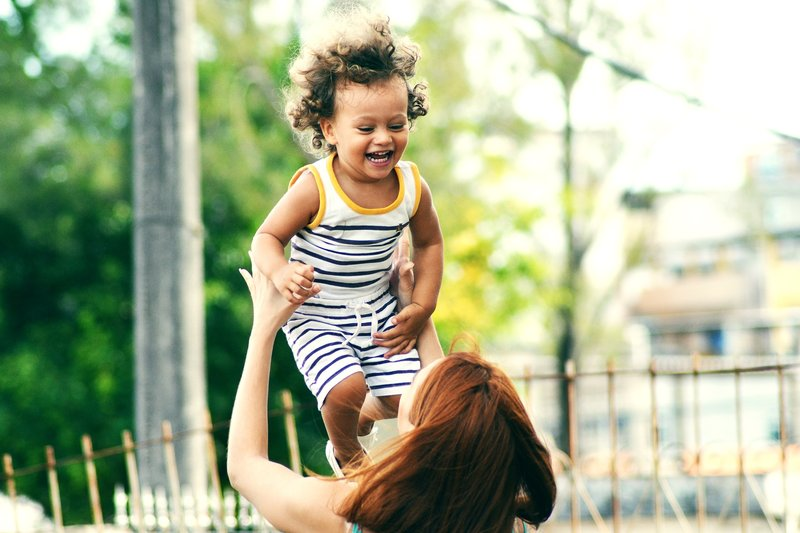 Tips Mendorong Kemampuan Merawat Diri Si Kecil: balita bisa mandi sendiri.jpg