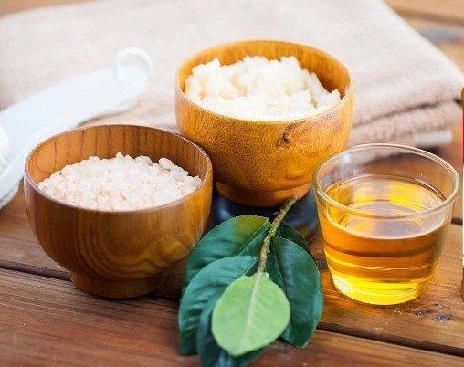 Tips Menggunakan Baking Soda untuk Jerawat 4 Vinegar findhomeremedy com .jpg