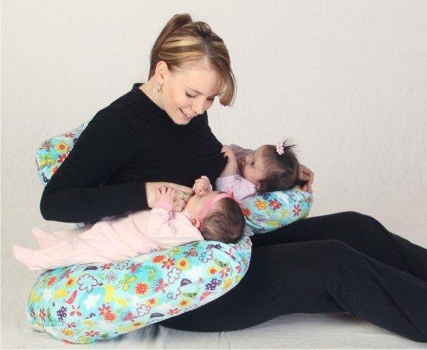 Tips Menyusui Bayi Kembar -2.jpg