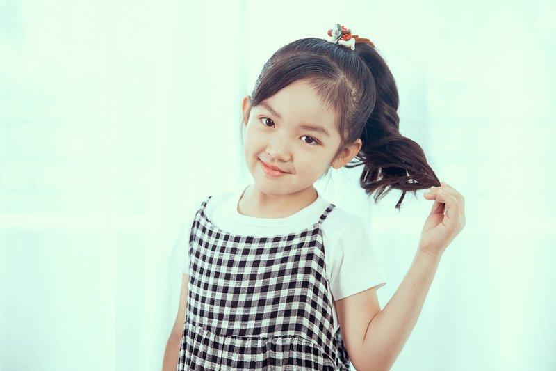 Tips merawat rambut panjang si anak perempuan (1).jpg