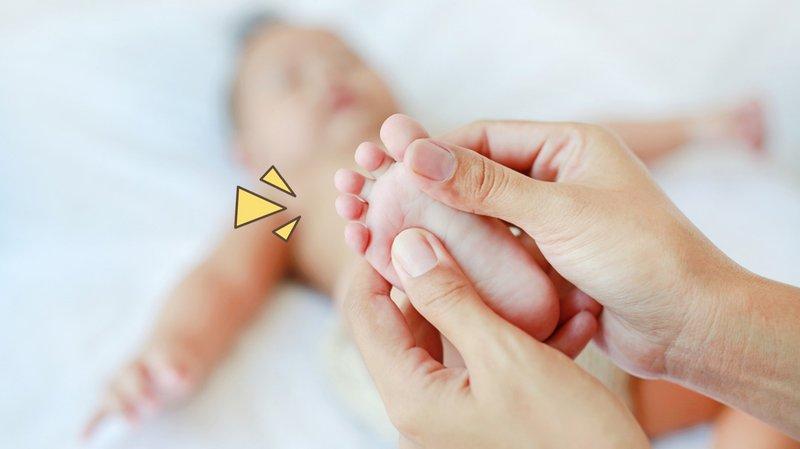 Pijat bayi bisa mengatasi sembelit.jpg