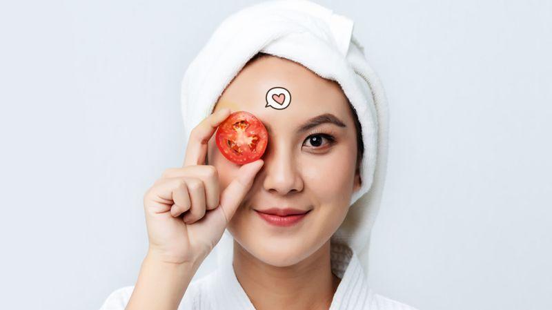 5 Cara Alami Memutihkan Wajah Dengan Tomat Orami