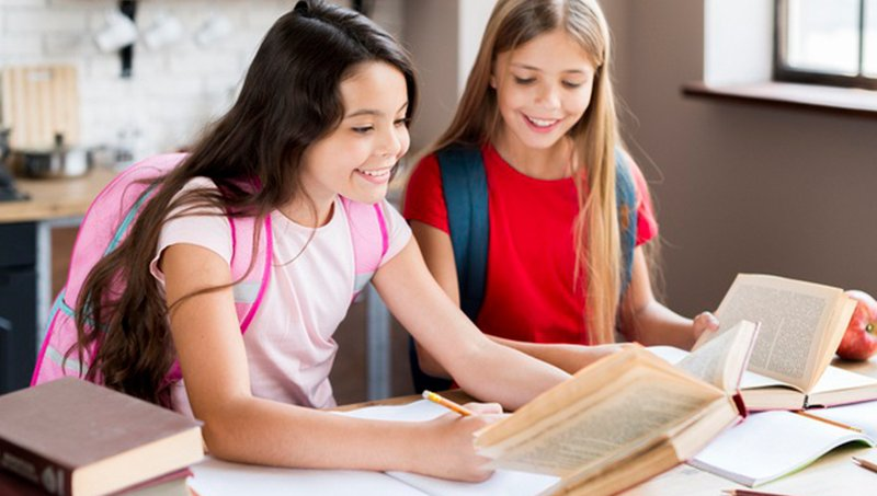 Tonggak Perkembangan Bahasa Anak SD (Usia 6-12 Tahun) 4.jpg