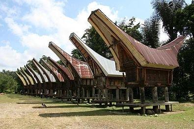 Rumah Adat Toraja Tongkonan