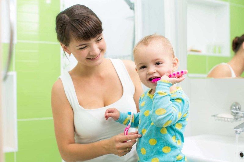 Trik Membuat Bayi Suka Aktivitas Menyikat Gigi.jpg