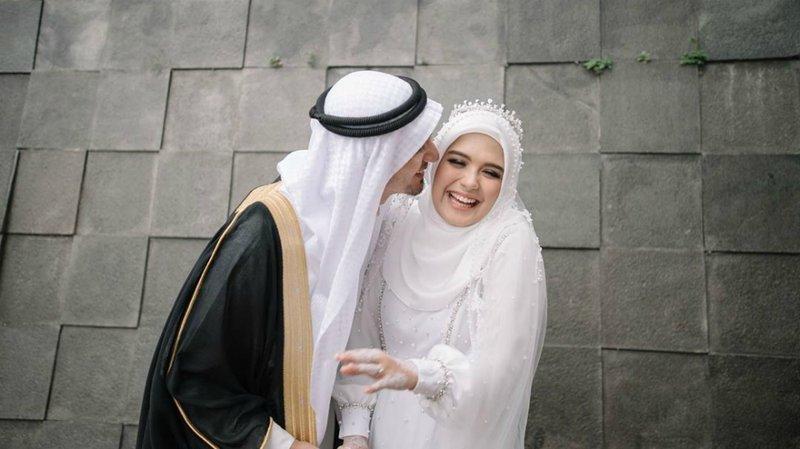 Vebby Palwinta Tetap Langsungkan Pernikahan di Tengah Pandemi.jpg