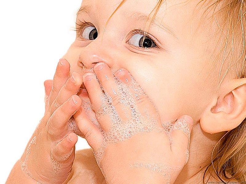 Wajah Bayi Bruntusan, Bagaimana Cara Aman Merawatnya 1.jpg