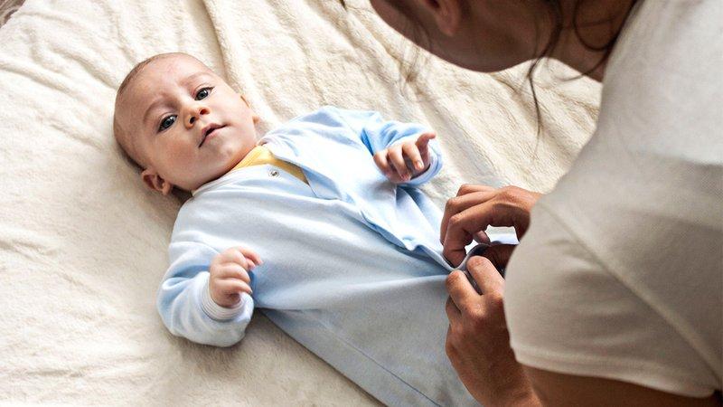 Wajah Bayi Bruntusan, Bagaimana Cara Aman Merawatnya 5.jpg
