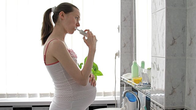 Waktu yang Tepat untuk Melakukan Perawatan Gigi Ibu Hamil 01.jpg