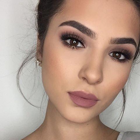 Warna lipstik untuk kulit sawo matang Mauve.jpg