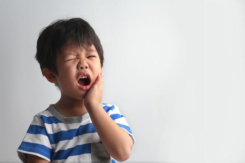 Waspada 3 Bahaya Gigi Berlubang Pada Anak 3.jpg