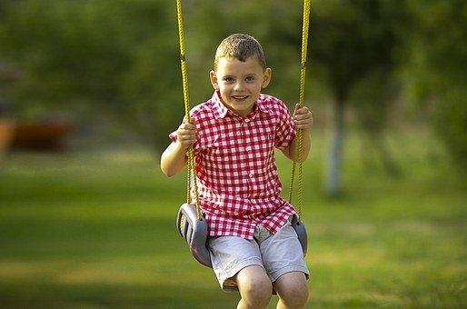 Waspada Moms, 3 Permainan Playground Ini Berpotensi Bikin Anak Cedera 1.jpg