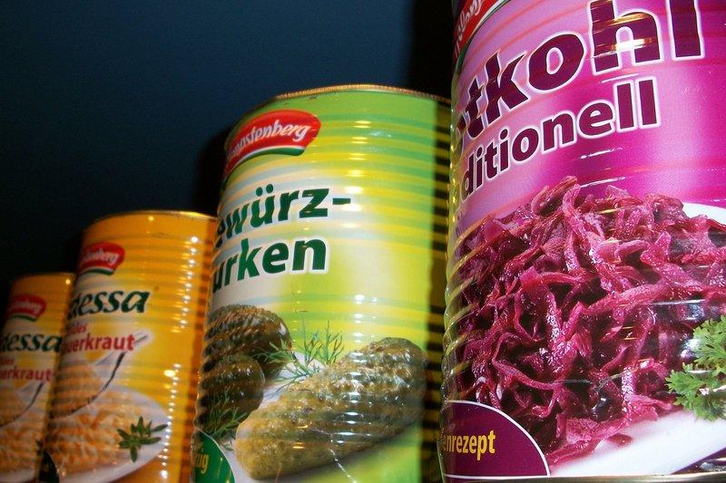 Waspada terhadap makanan kedaluwarsa, keracunan makanan pada anak.jpg