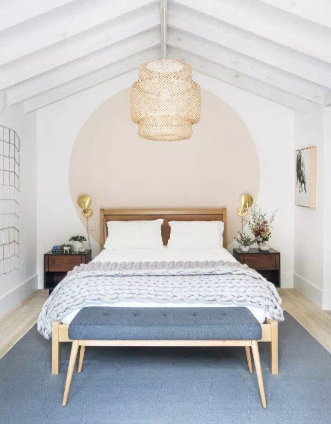 Kamar minimalis aksen lampu