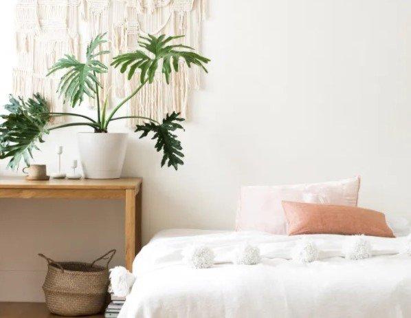 Kamar minimalis remaja utilitarian