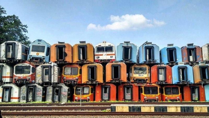 Wisata Purwakarta - Bangkai Kereta Stasiun Purwakarta