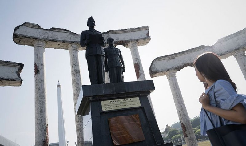 Wisata Surabaya - Tugu Pahlawan