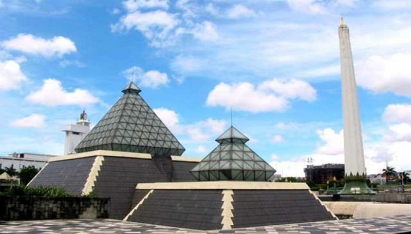 Wisata Surabaya -  Museum 10 November