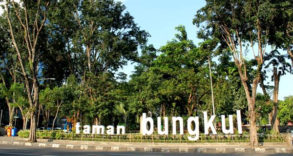 Wisata Surabaya -  Taman Bungkul