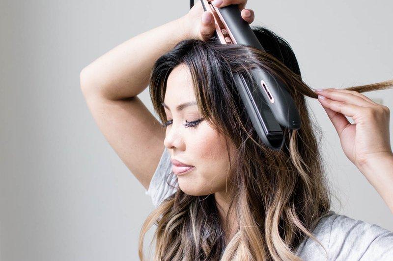 7 Cara Mudah Mengatasi Rambut Kering dan Mengembang