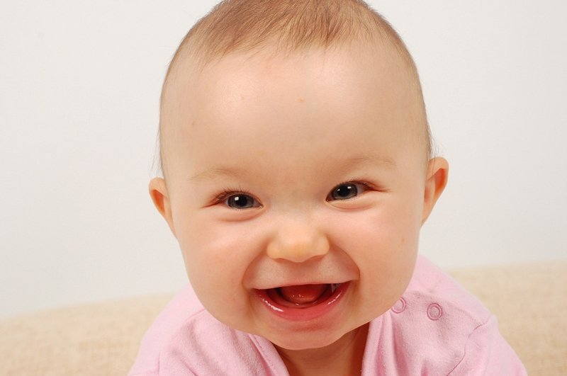 XX Manfaat Tertawa Untuk Tumbuh-kembang Bayi 1.jpg