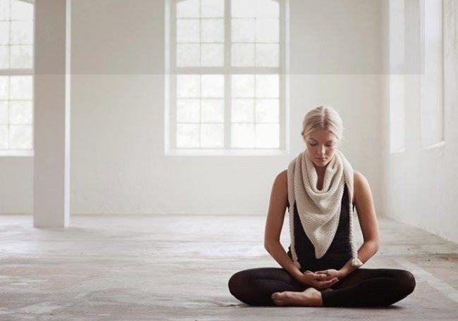yoga untuk mengatasi eating disorder