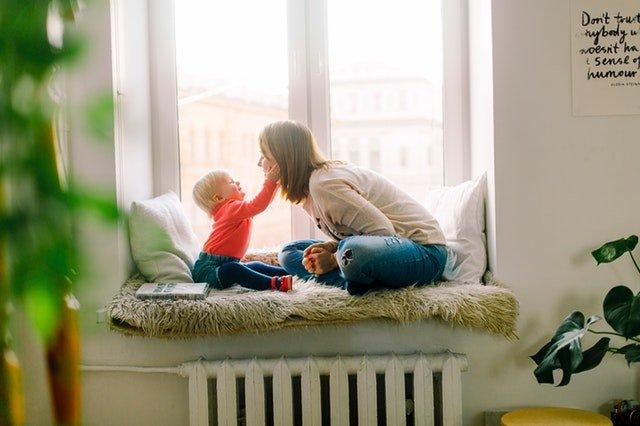 adorable-baby-babysitter-1257110.jpg