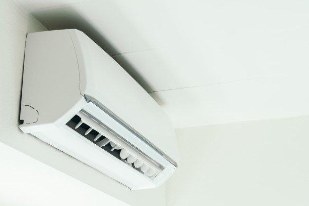 Buat ruangan jadi sejuk untuk mengusir tokek