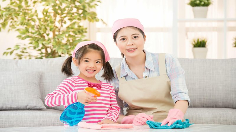 Perkembangan Anak Usia Dini - Membereskan Rumah