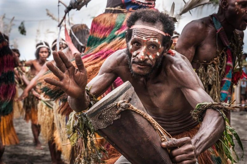 alat musik tifa asal papua