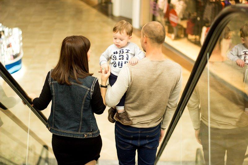 XX Tips Mengajak Bayi Jalan-jalan Ke Mall 4