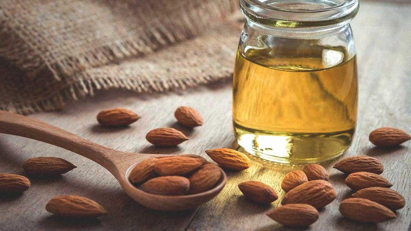 almond oil and almonds 1296x728