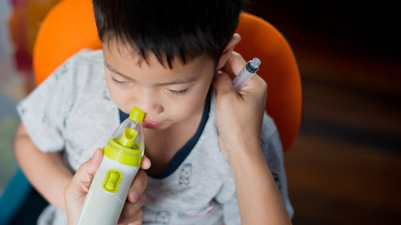anak batuk pilek, jangan asal nebu 2 nasal spray