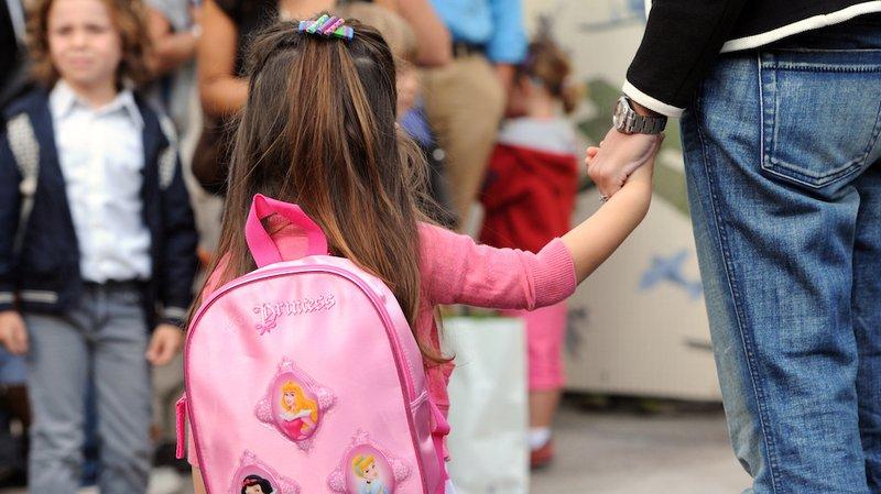 anak pergi ke sekolah baru-2.jpg