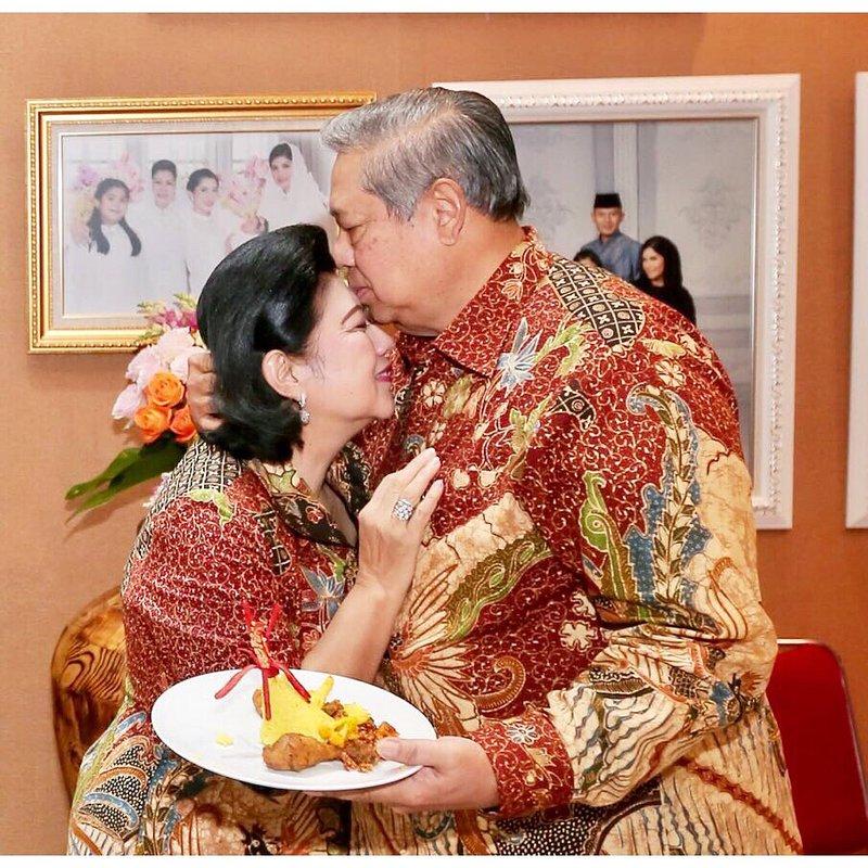 ani yudhoyono (1).jpg