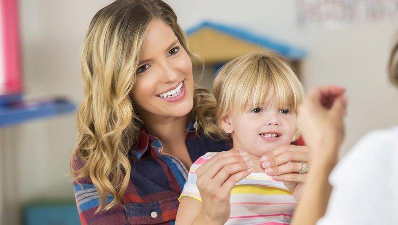 apa manfaat balita belajar bahasa isyarat sejak dini 2