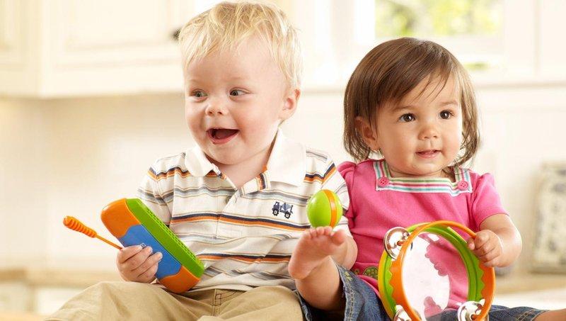 apa ya, manfaat balita belajar bermain alat musik sejak dini 1