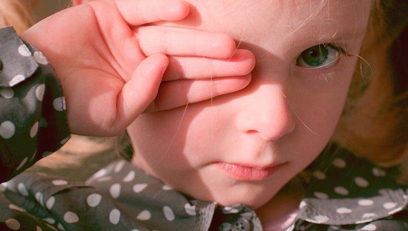 apa ya, penyebab bintitan di mata balita 5