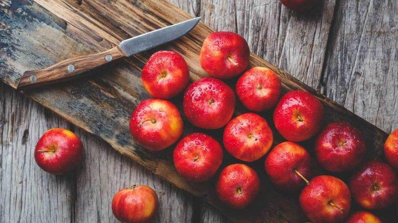 apples- healthline.jpg