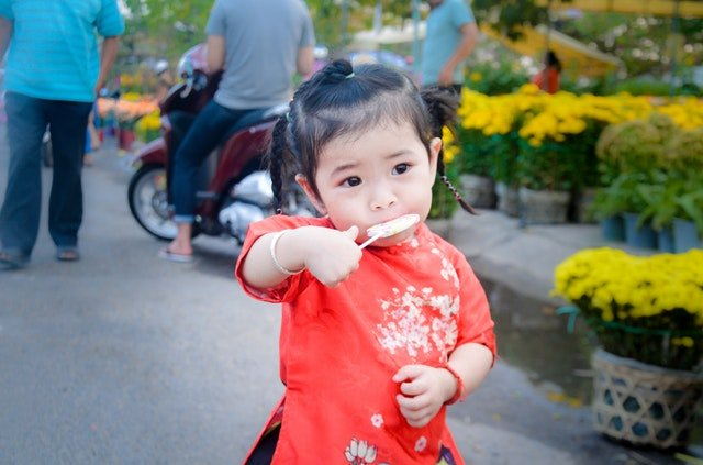 baby-child-colorful-943492.jpg