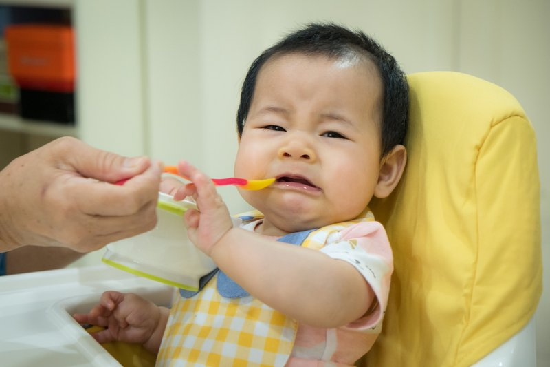 cara atasi sakit tenggorokan bayi, penyebab sakit tenggorokan bayi, sakit tenggorokan bayi