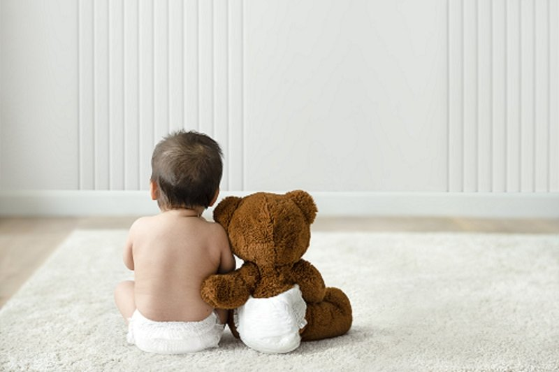 bayi rewel saat ganti popok