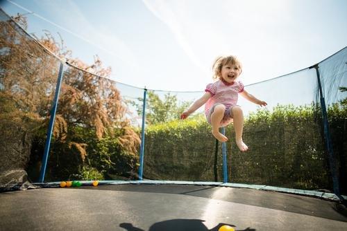 bahaya trampolin