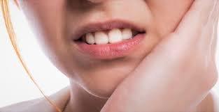 bahaya tindik lidah.jpg