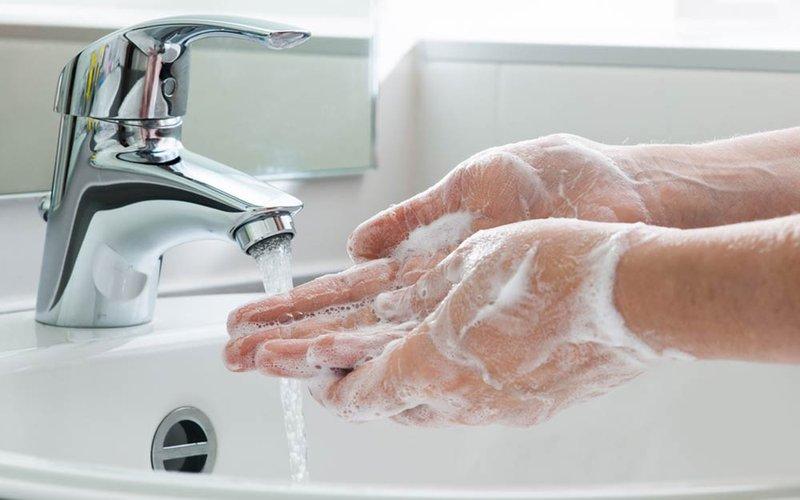 bahayakah gunakan hand sanitizer - cara terbaik untuk mencuci tangan.jpg