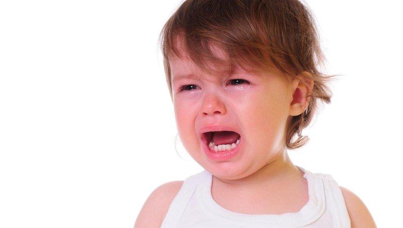 balita mengamuk ketahui perbedaan tantrum dan sensory meltdown 1