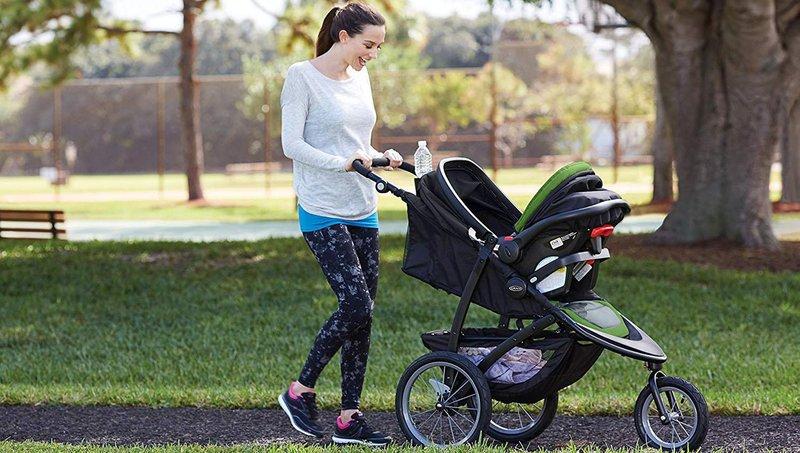 balita tidak suka naik stroller begini cara menghadapinya, moms 3