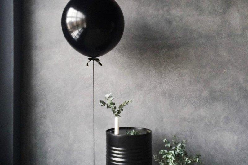 balloon black container 1030927